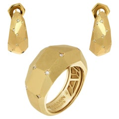 Diamonds 18 Karat Yellow Matte Gold Geometry Small Suite