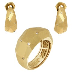 Diamonds 18 Karat Yellow Matte Gold Geometry Small Suite