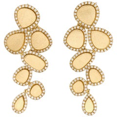 Diamonds and Brushed Yellow Gold 18 Karat Articulated Chandelier Earrings