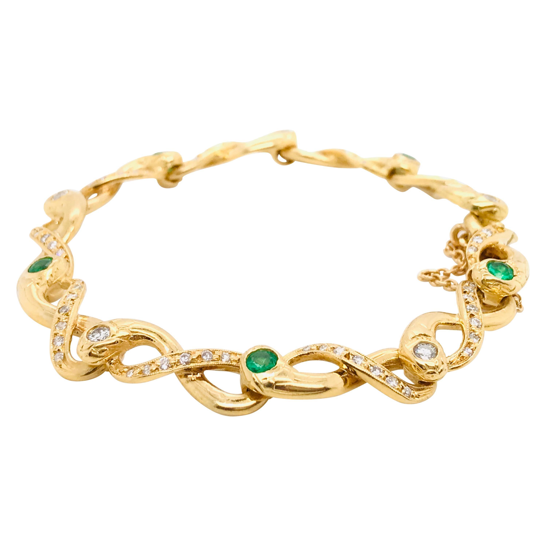 Diamonds and Emerald Yellow Golg 18 Karat Retro Bracelet