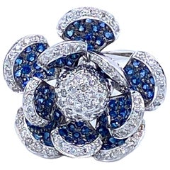 Diamonds and Sapphires Flower Motif Ring 14 Karat Gold