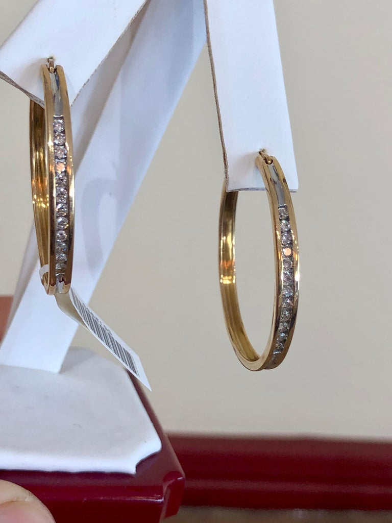 Diamonds and Yellow Gold 14 Karat Hoop Earrings In New Condition For Sale In Brunswick, ME