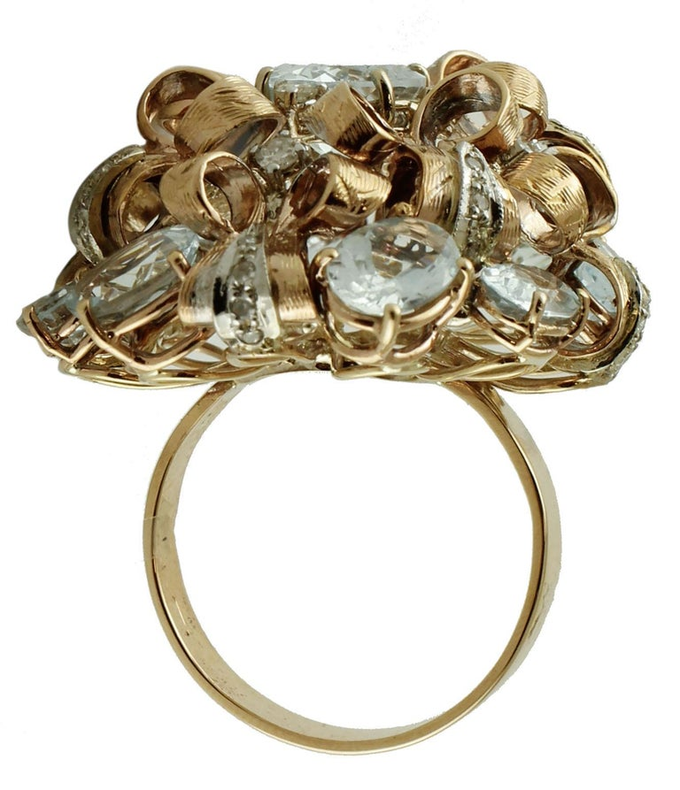 Diamonds, Aquamarine, 9 Karat Yellow and White Gold Ring In Excellent Condition For Sale In Marcianise, Caserta