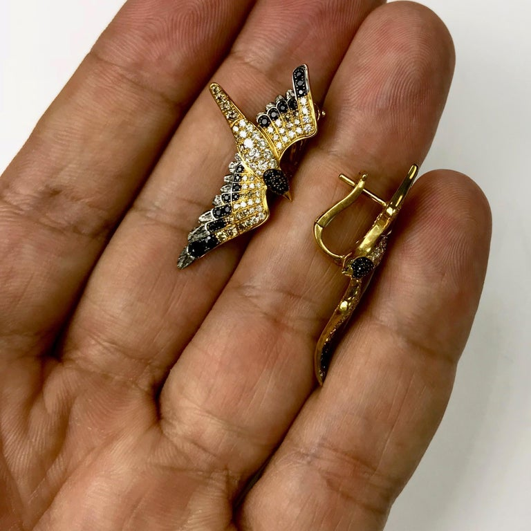 Diamonds Black Sapphire 18 Karat Yellow Gold Seagull Earrings In New Condition For Sale In Bangkok, TH