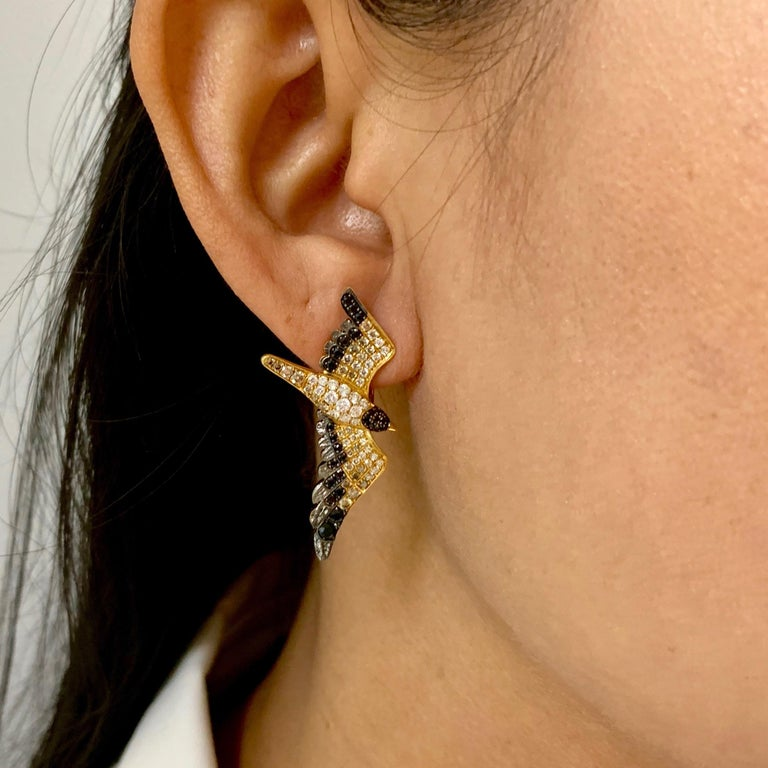 Diamonds Black Sapphire 18 Karat Yellow Gold Seagull Earrings For Sale 2