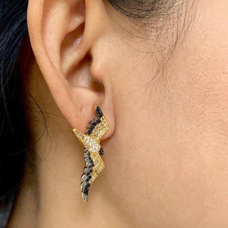 Diamonds Black Sapphire 18 Karat Yellow Gold Seagull Earrings For Sale 3