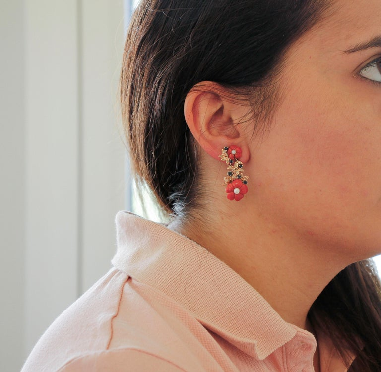 Diamonds, Blue Sapphires, Red Coral Flowers, Pearls, 14 Karat Gold Stud Earrings In Excellent Condition For Sale In Marcianise, Caserta