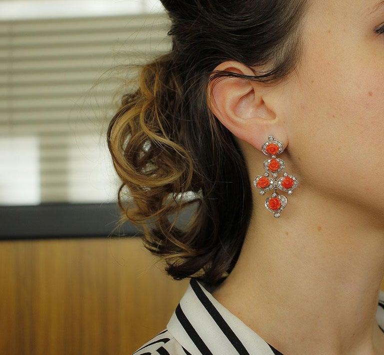 Diamonds, Red Coral Flowers, 14 Karat White Gold Retrò Dangle Earrings For Sale 1