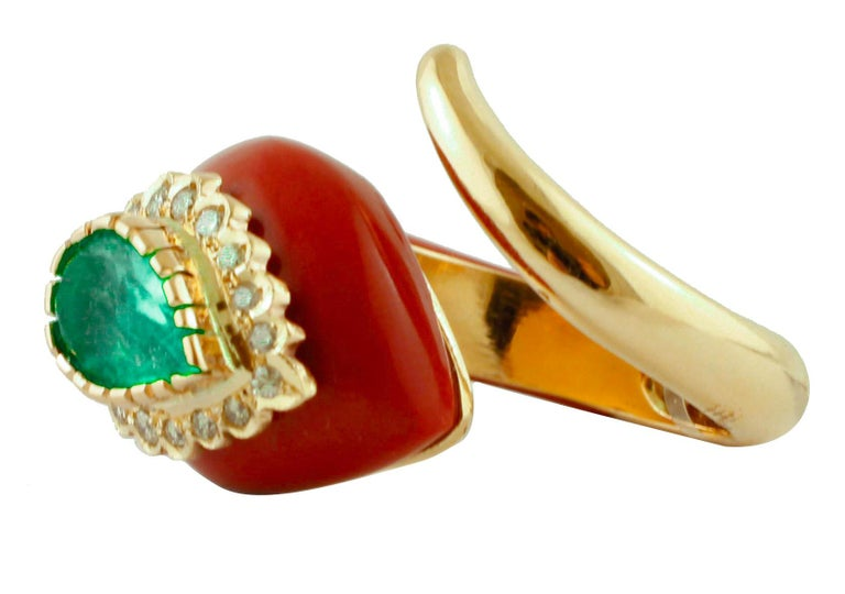Diamonds, Emerald, Red Coral Paste, Rose Gold, Snake Shape Fashion Ring In Good Condition For Sale In Marcianise, Caserta