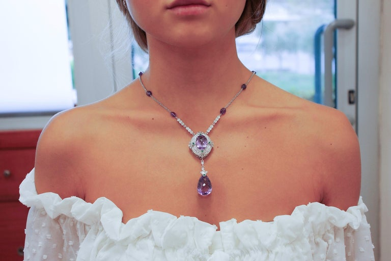 Diamonds, Emeralds, Amethysts, 14 Karat White Gold Pendant Necklace In Excellent Condition For Sale In Marcianise, Caserta