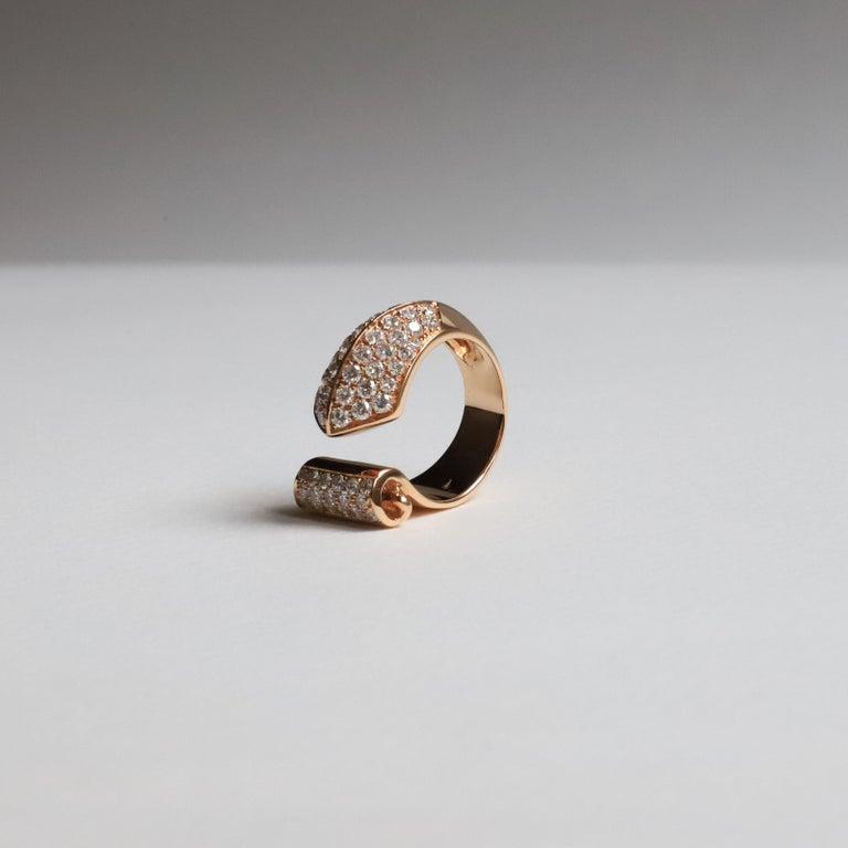 Modern 1.70 Karat White Diamonds 18 Karat Rose Gold Design Ring Cocktail Ring For Sale