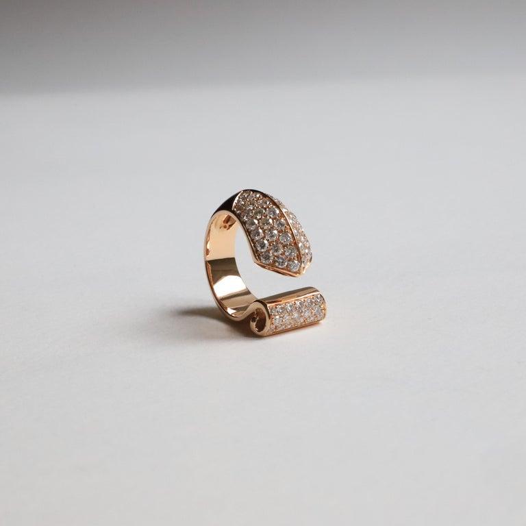 Rose Cut 1.70 Karat White Diamonds 18 Karat Rose Gold Design Ring Cocktail Ring For Sale