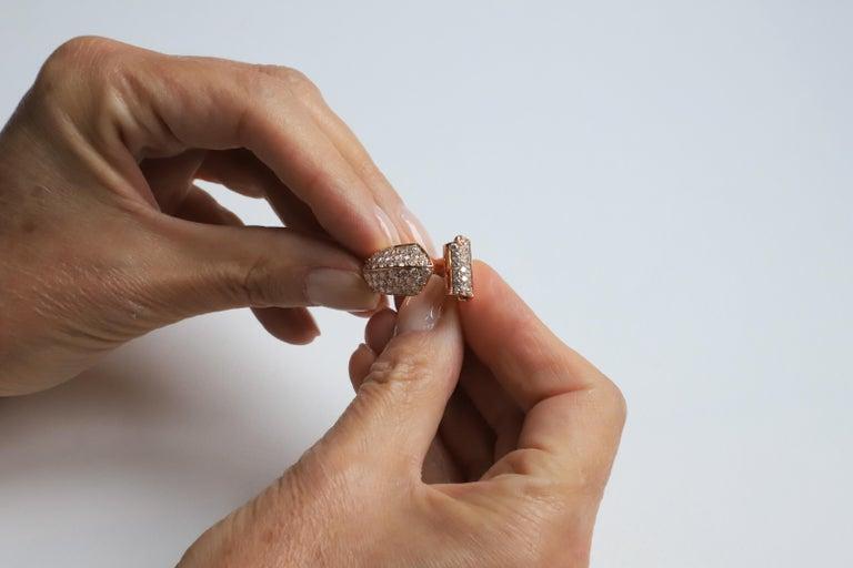 Women's 1.70 Karat White Diamonds 18 Karat Rose Gold Design Ring Cocktail Ring For Sale