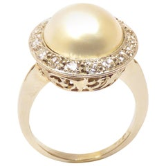 Diamonds Mabe Pearl 18 Karat White Gold Vintage Ring Handcrafted in Italy