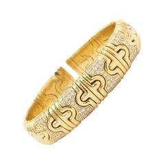 Diamonds Paving 18 Carat Yellow Gold Flexible Bangle