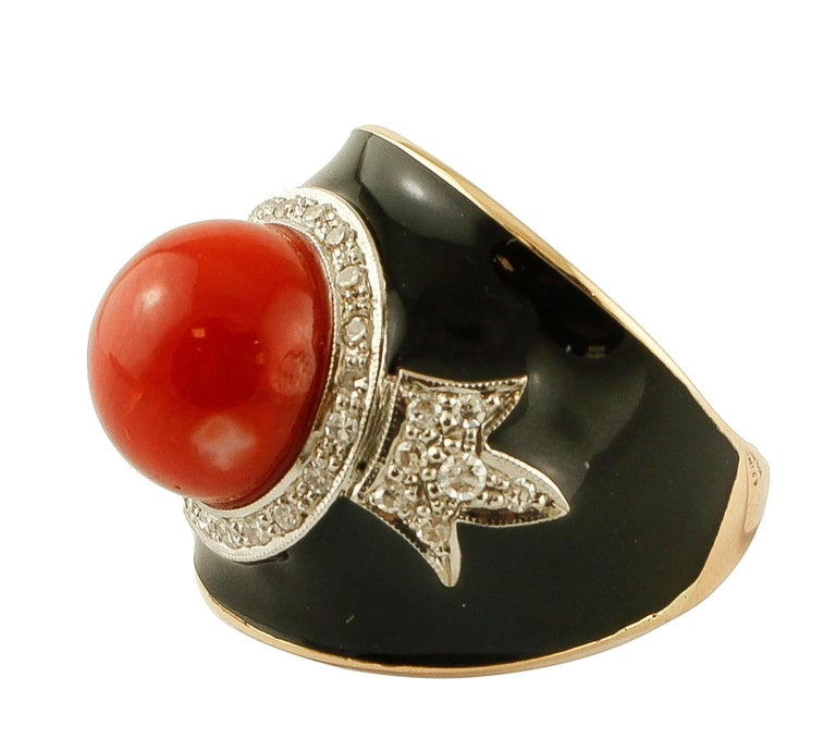 Beautiful ring in vintage style, realized in 14k yellow gold and enamel, mounted with a central red rubrum coral sphere, surrounded by decorations of diamonds. This ring is totally handmade by Italian master goldsmiths. Diamonds 0.56 ct Red Rubrum