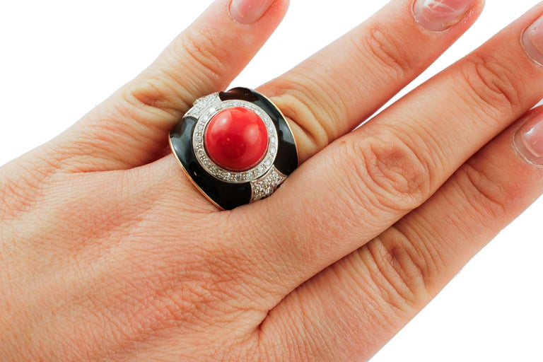 Diamonds, Red Rubrum Coral, Enamel, 14 Karat Yellow and White Gold, Vintage Ring For Sale 1