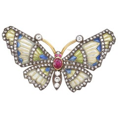 Diamonds Ruby Color Enamel Butterfly 18 Karat Gold Floral Pin Brooch, 1940