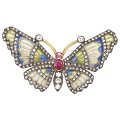 Diamonds Ruby Color Enamel Butterfly 18 Karat Gold Floral Pin Brooch, 1940