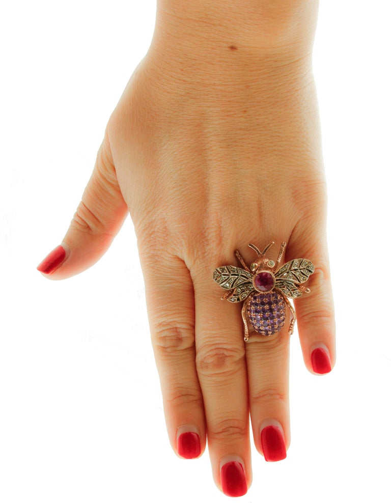 Diamonds, Ruby, Peridots, Amethysts, Rose Gold and Silver Fly Shape Retrò Ring In Good Condition For Sale In Marcianise, Caserta