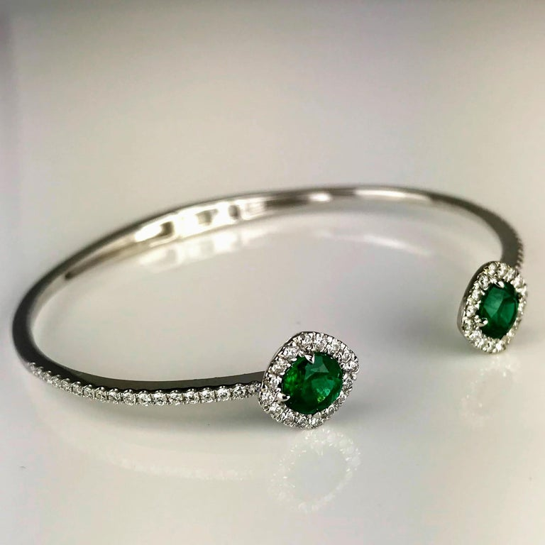 DiamondTown 1.02 Carat Emerald and Diamond Bangle Bracelet in 14k White Gold In New Condition For Sale In New York, NY