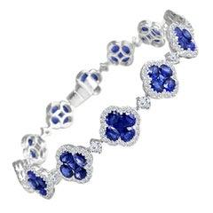Diamond Town 11.1 Carat Vivid Blue Sapphire and Diamond Bracelet