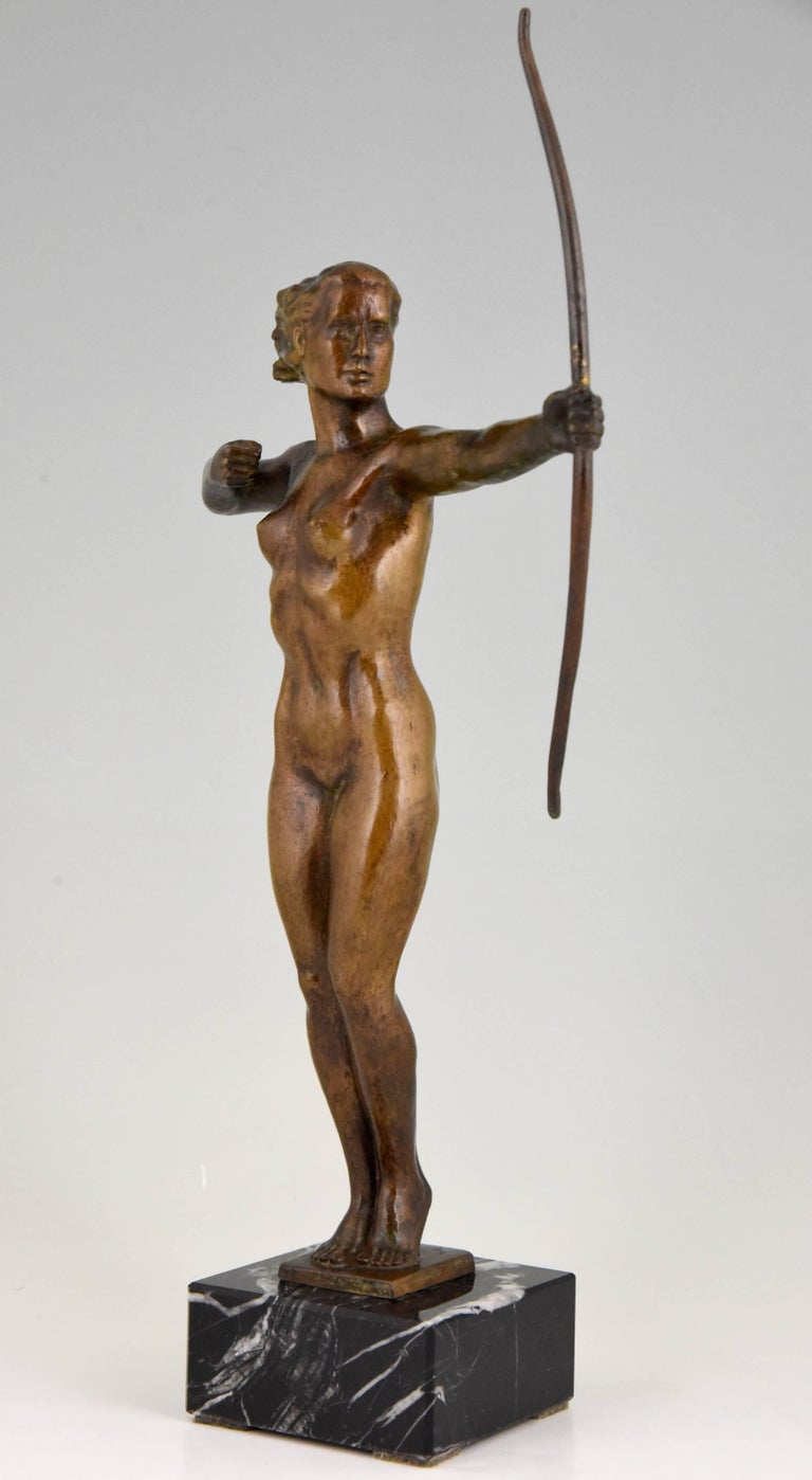French Diana, Art Deco Bronze Sculpture Nude with Bow, V. H. France, 1930 For Sale