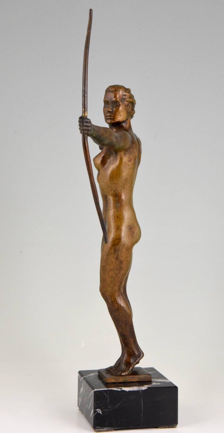 Diana, Art Deco Bronze Sculpture Nude with Bow, V. H. France, 1930 In Good Condition For Sale In Antwerp, BE