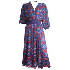 Diane Freis 1980s Floral Dress is Size Small.
