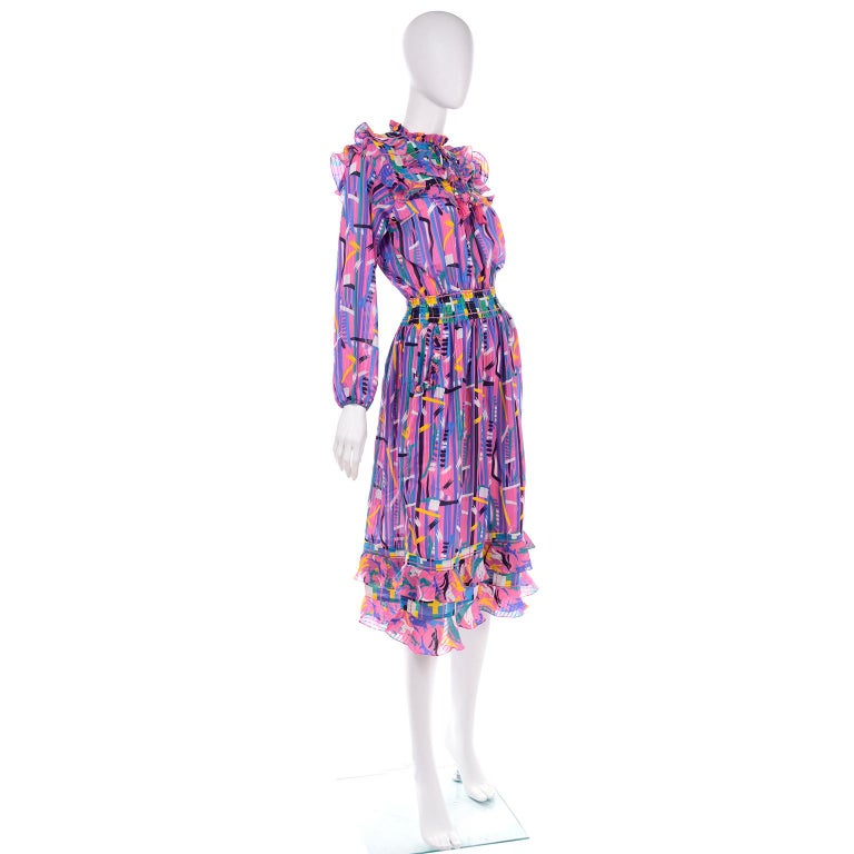 Diane Freis Pink Purple Abstract Print Georgette Colorful Ruffled  Dress In Excellent Condition For Sale In Portland, OR