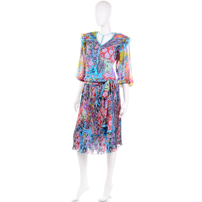 Gray Diane Freis Vintage 1980s Abstract Print Dress W Ruffled Sleeves & Tassels For Sale