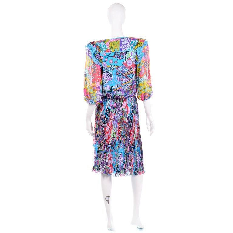 Diane Freis Vintage 1980s Abstract Print Dress W Ruffled Sleeves & Tassels In Excellent Condition For Sale In Portland, OR