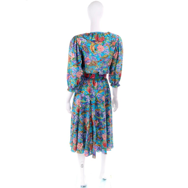 Diane Freis Vintage Multi Colored Blue Silk Floral Dress In Excellent Condition For Sale In Portland, OR