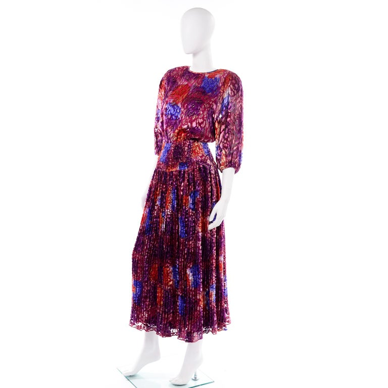 Diane Freis Vintage Purple Pink Velvet Metallic Silk Dress W Open Lattice Work In Excellent Condition In Portland, OR