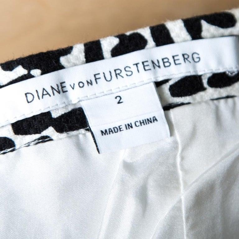 Diane Von Furstenberg Monochrome Printed Cotton Clyde Mini Skirt S For Sale 1