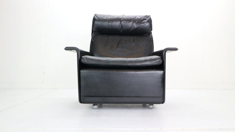 Mid-Century Modern Dieter Rams Black Leather Lounge Chair Model-620 for Vitsœ, 1970s For Sale