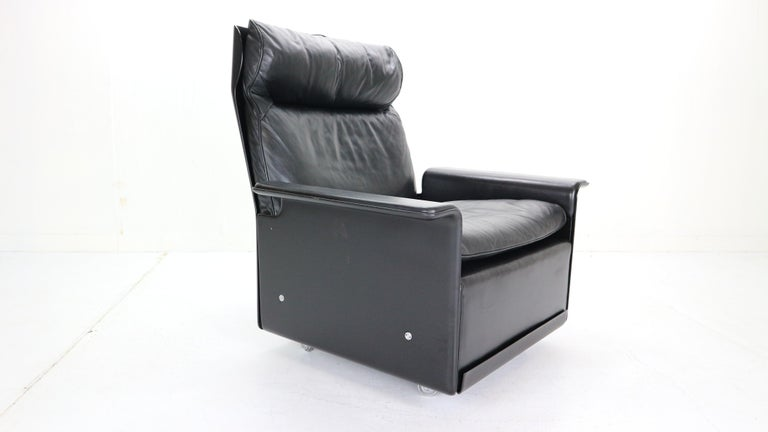 Late 20th Century Dieter Rams Black Leather Lounge Chair Model-620 for Vitsœ, 1970s For Sale