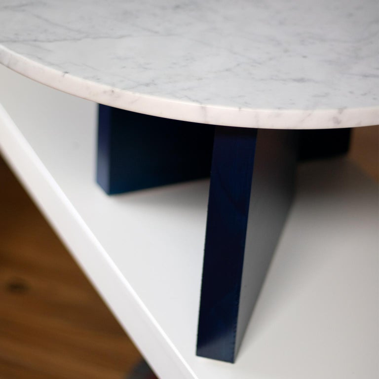 Lacquered Dietrich Bauhaus Style Round Marble Side Table For Sale