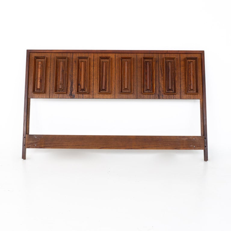 Mid-Century Modern Dillingham Mid Century Pecky Cypress and Walnut Queen Headboard For Sale