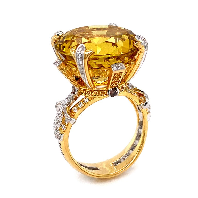 Women's or Men's Certified 19.06 Carat Natural Yellow Beryl and Diamond Statement Ring For Sale