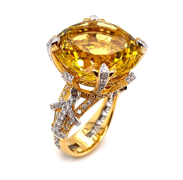 Certified 19.06 Carat Natural Yellow Beryl and Diamond Statement Ring For Sale 1