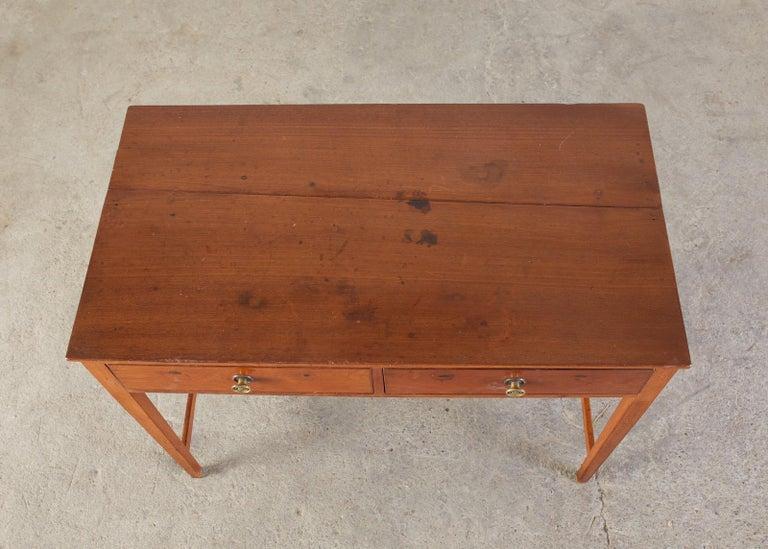 Diminutive American Federal Mahogany Writing Table Desk In Good Condition For Sale In Rio Vista, CA