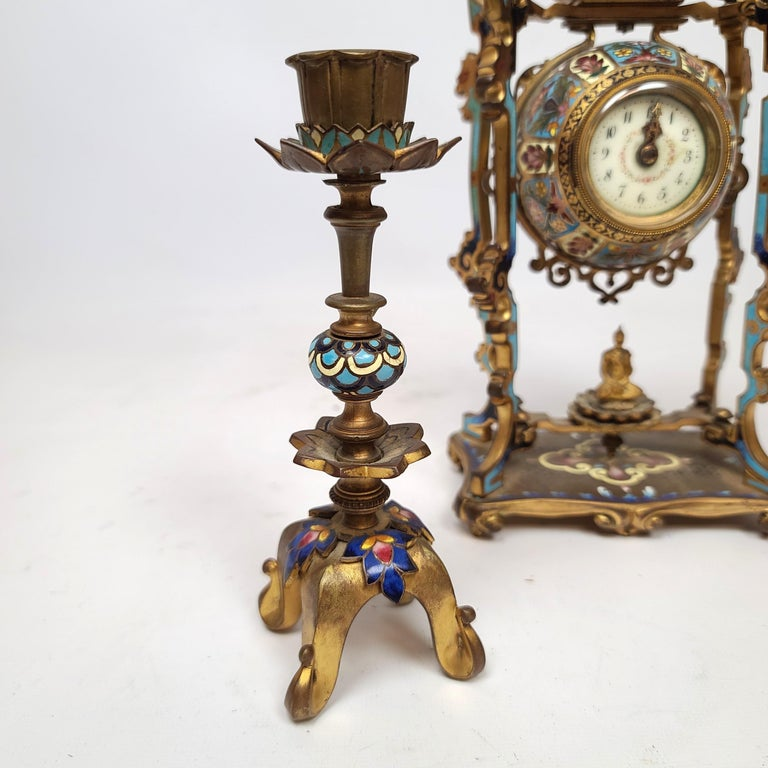 Diminutive Chinoiserie Champlevé Enamel Clock Set In Good Condition For Sale In New York, NY