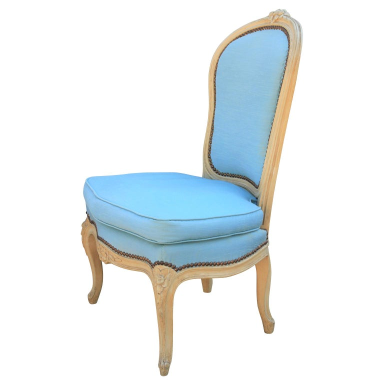 Louis XV Diminutive Pair of French Carved Painted Wood Slipper Chairs For Sale