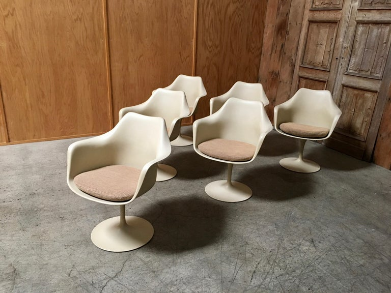 Mid-Century Modern Dining Chairs by Eero Saarinen for Knoll Set of Six For Sale