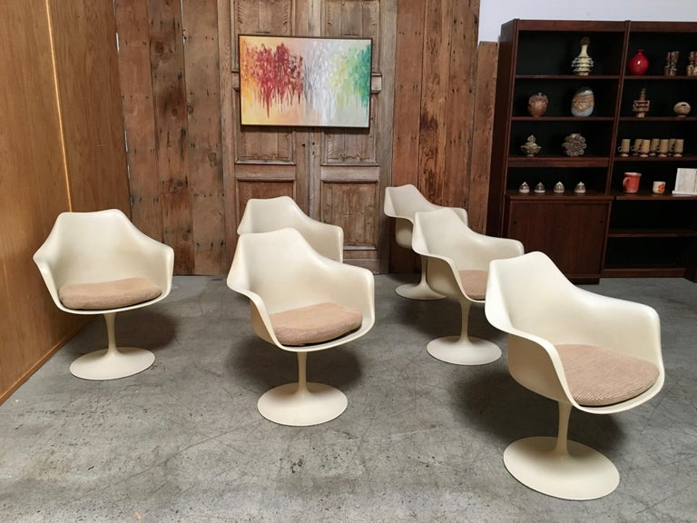 20th Century Dining Chairs by Eero Saarinen for Knoll Set of Six For Sale