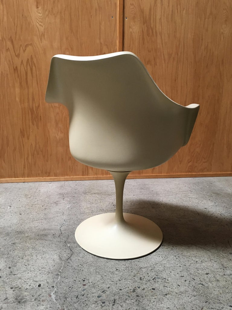 Dining Chairs by Eero Saarinen for Knoll Set of Six For Sale 2