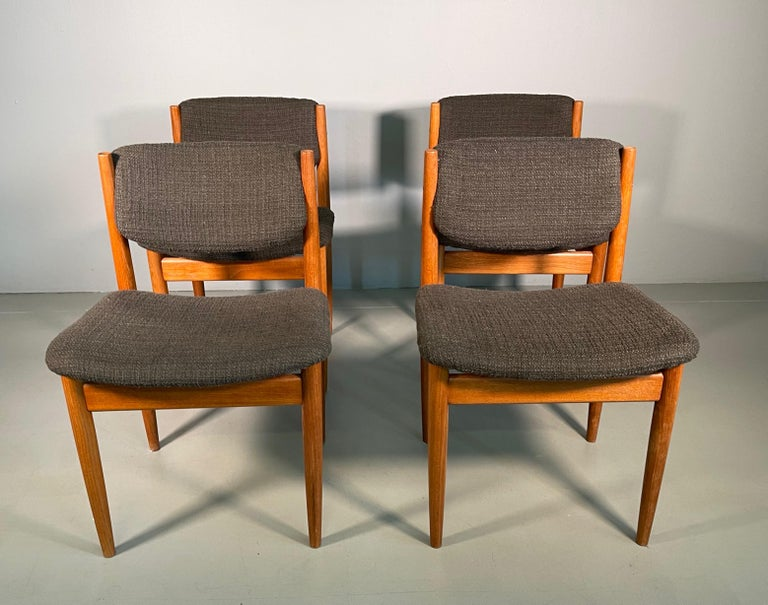 Dining Chairs by Finn Juhl for France & Søn, 1960s, Set of 4 For Sale 8