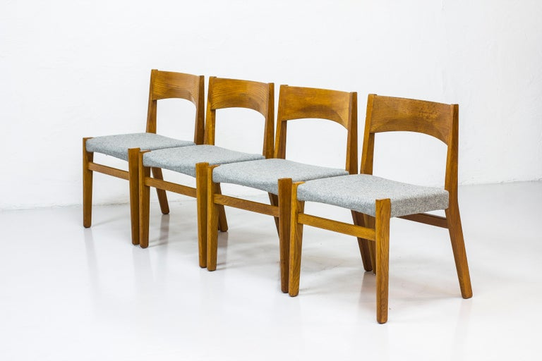 Danish Dining chairs by John Vedel Rieper for Erhard Rasmussen, Denmark, circa 1957 For Sale