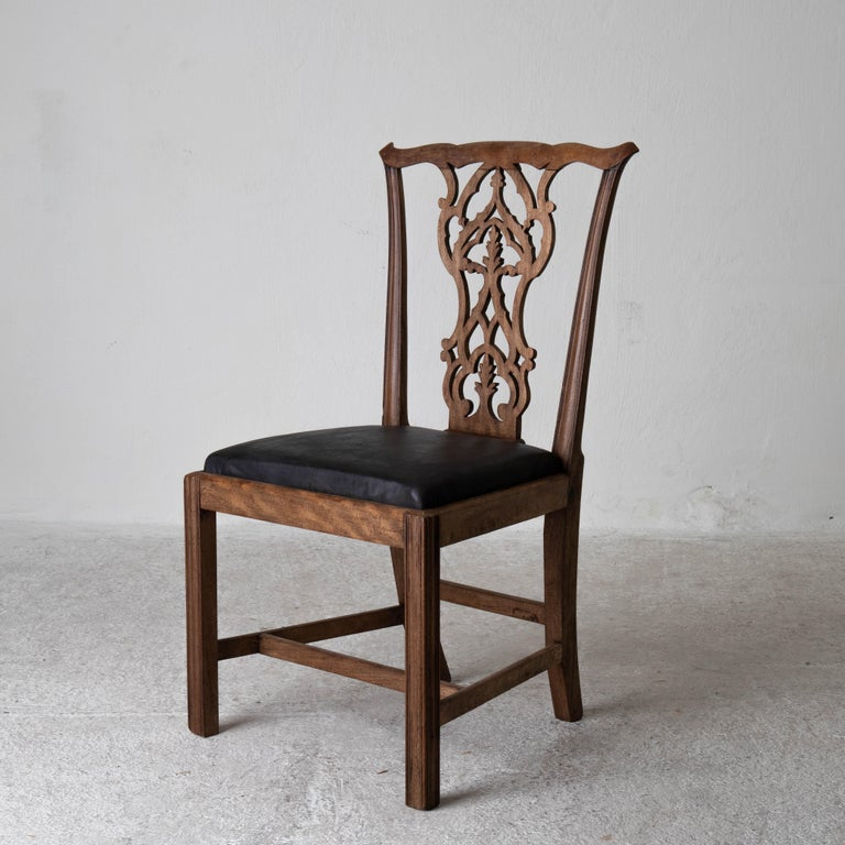 Dining Chairs English Set of 6 Assembled Chippendale England In Good Condition For Sale In New York, NY